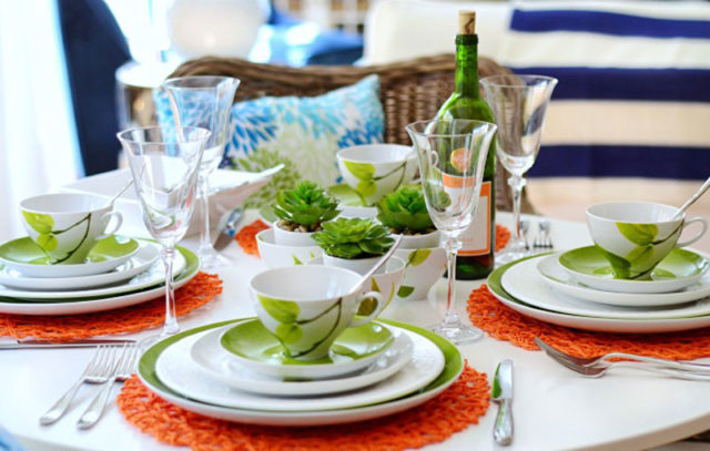 & Yes to Creative Table Settings!